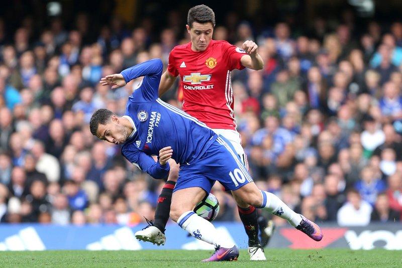 Chelsea - Man Utd: Như nước với lửa