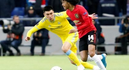 Manchester United boss Ole Gunnar Solskjaer has issued youngster Tahith Chong a warning regarding his contract